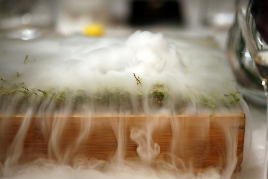 Liquid Nitrogen Peat Bog at The Fat Duck| ©Charles Haynes/Flickr