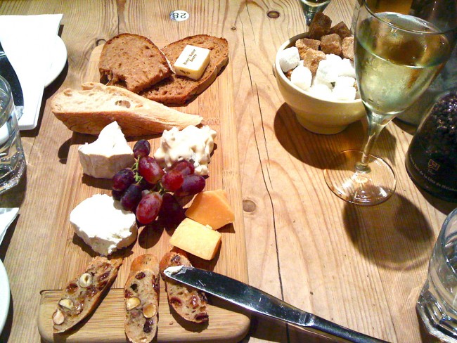 Cheese board   © dailyfood/Flickr