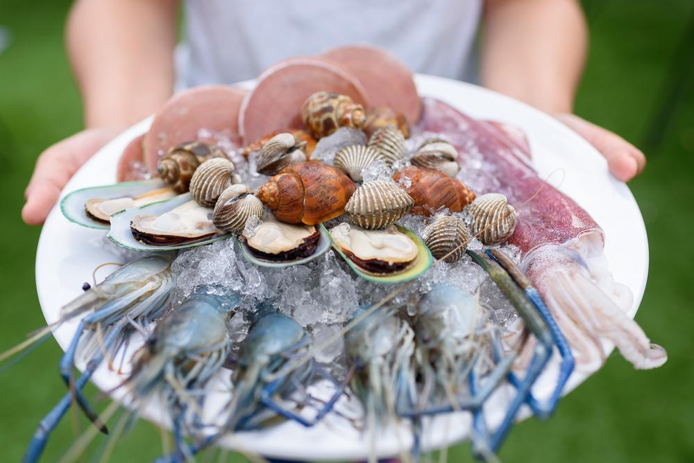 Seafood platter set ©pornvit_v / Shutterstock