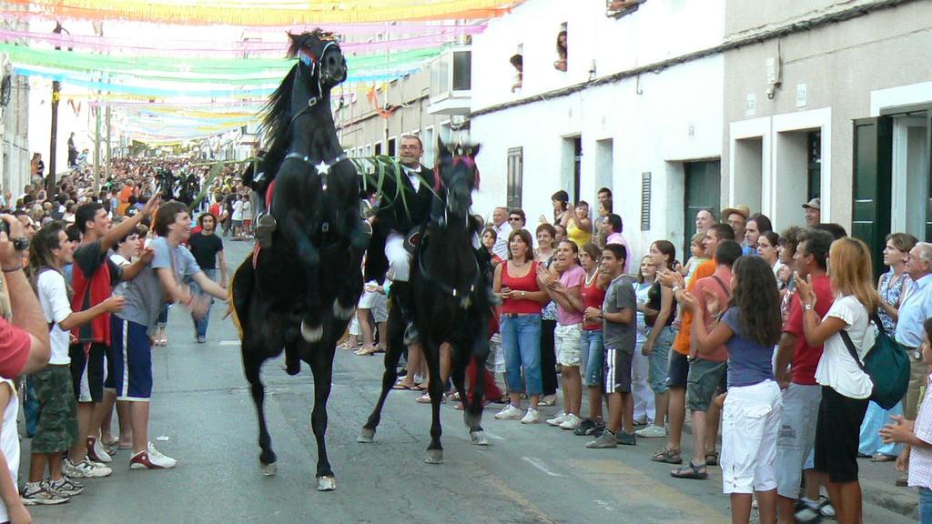 Fiestas in Menorca © Fermin G / Flickr