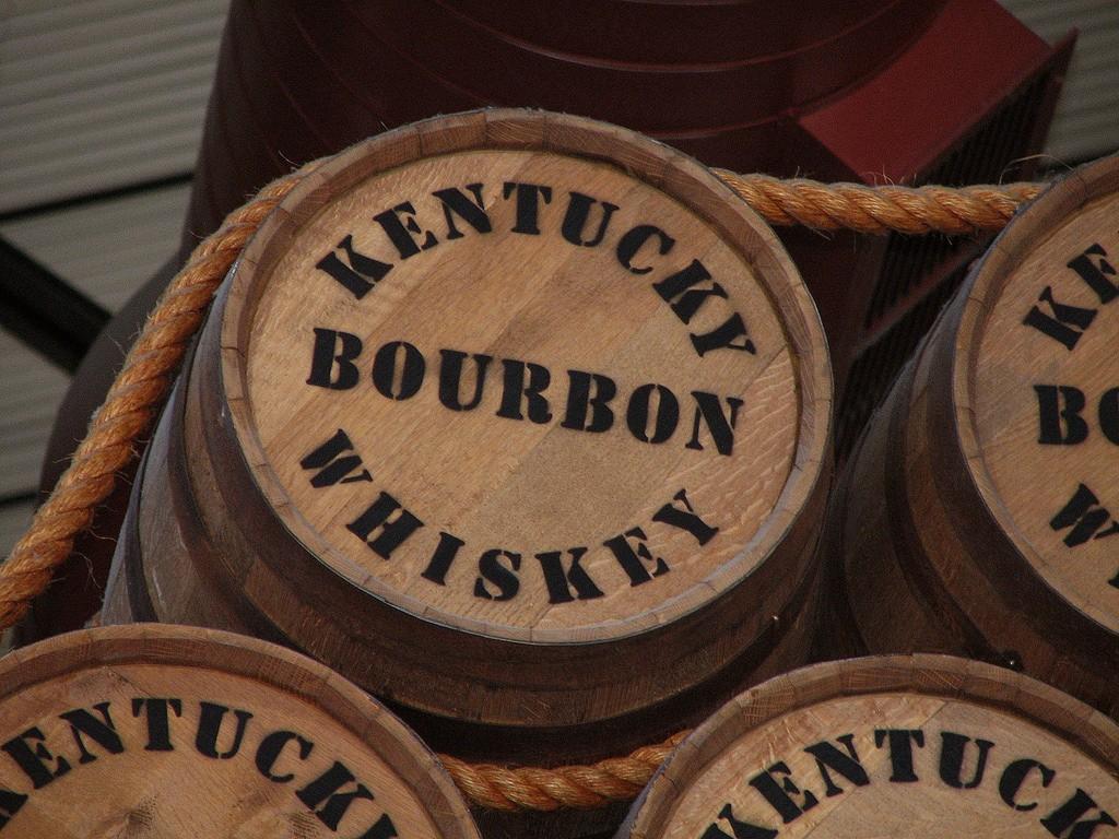 Kentucky Buorbon Barrels | ©Kelly/Flickr