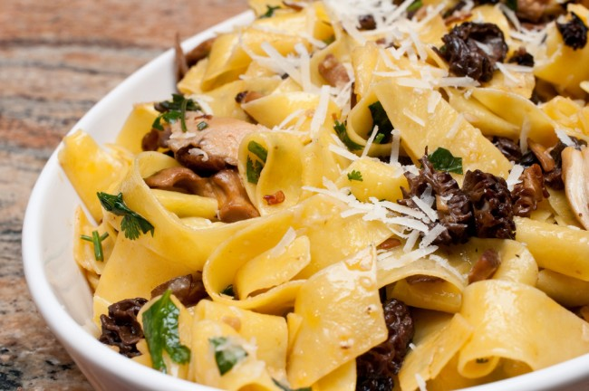 Papardelle with mushrooms and peppers|©Dongkwan/Flickr