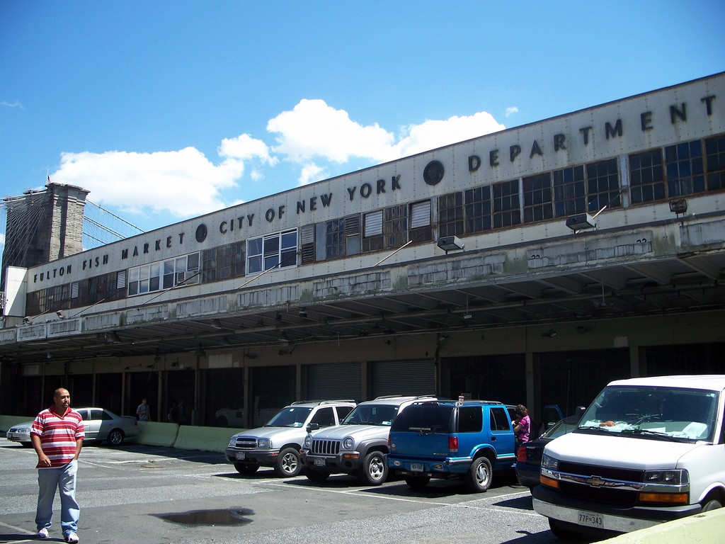 New york city s 10 best food and farmers 39 markets for New fulton fish market