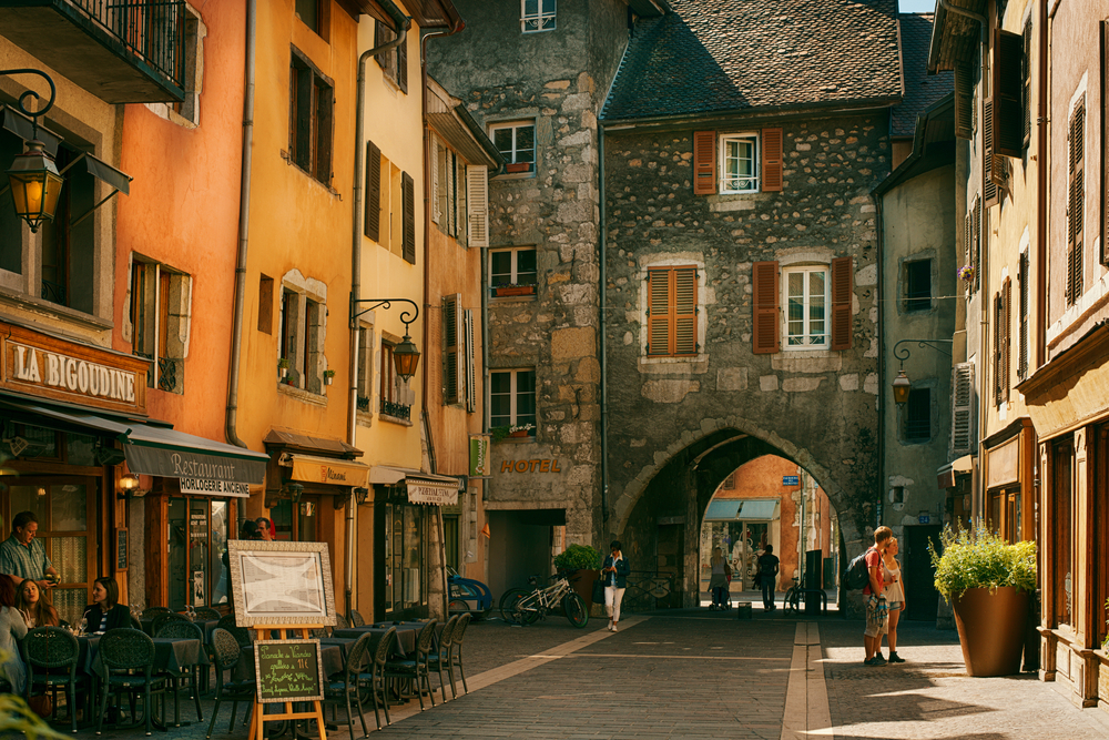 Annecy is known to be called the French Venice © Nevskii Dmitrii / Shutterstock