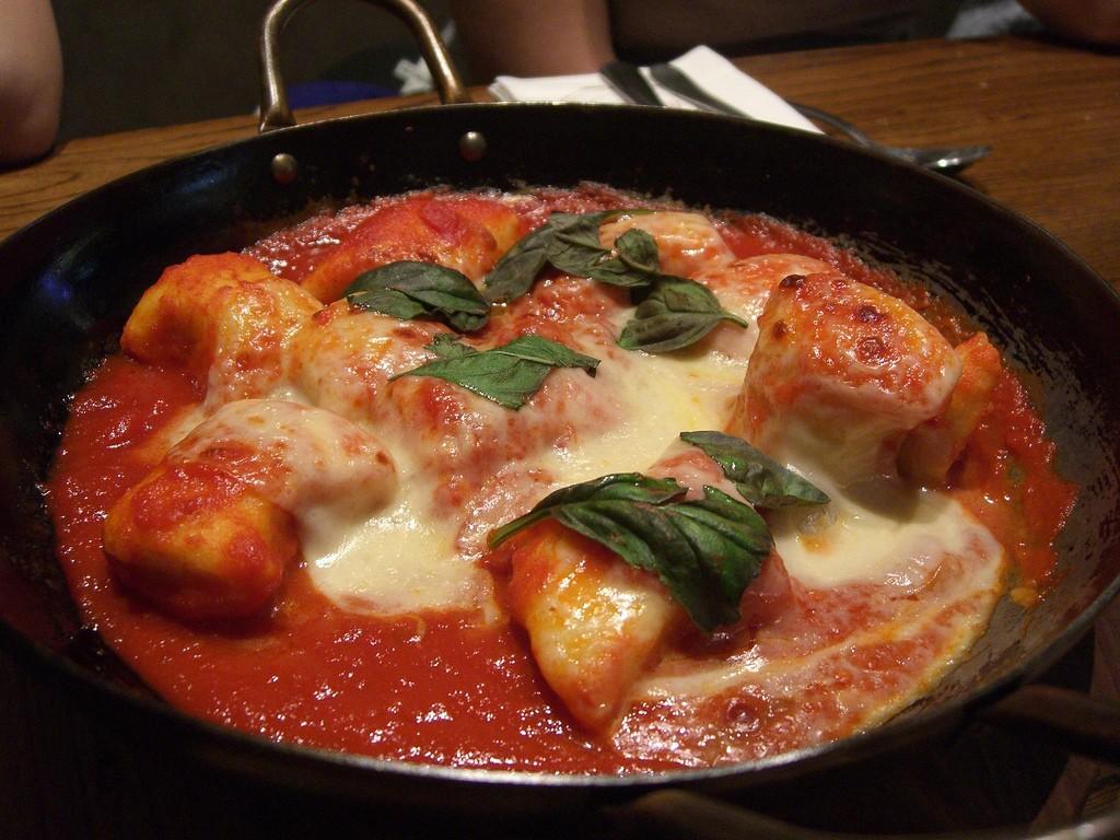 Gnocchi Napoli oven-baked with Mozzarella ©Alpha