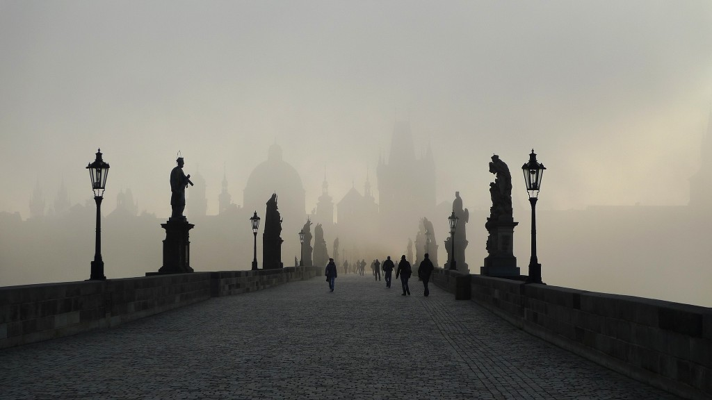 Charles Bridge in the mist | ©Roman Boed/Flickr