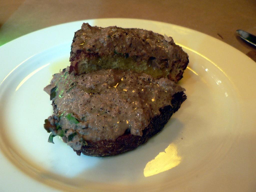 chicken liver toast ©stu_spivack