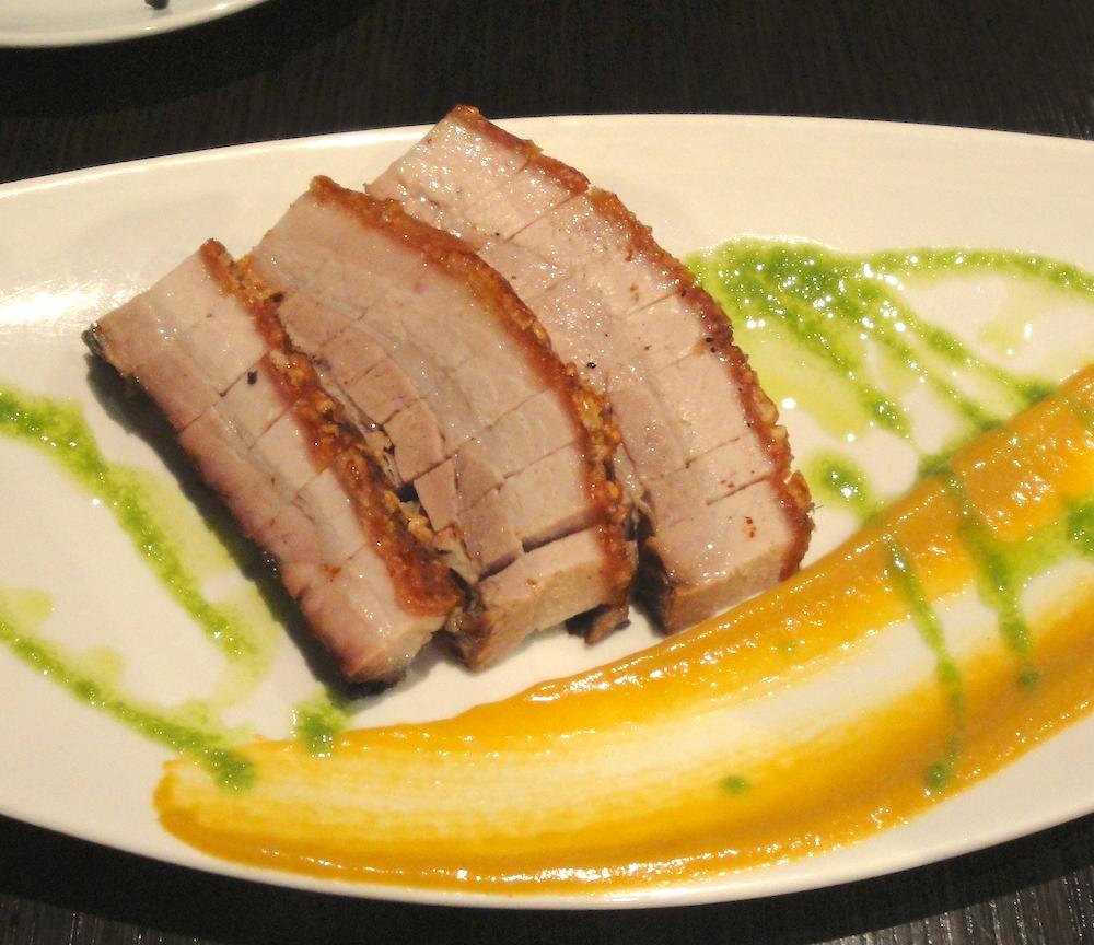 Enjoy the distinctive sweetness of Cantonese pork belly © Smalljude / Flickr