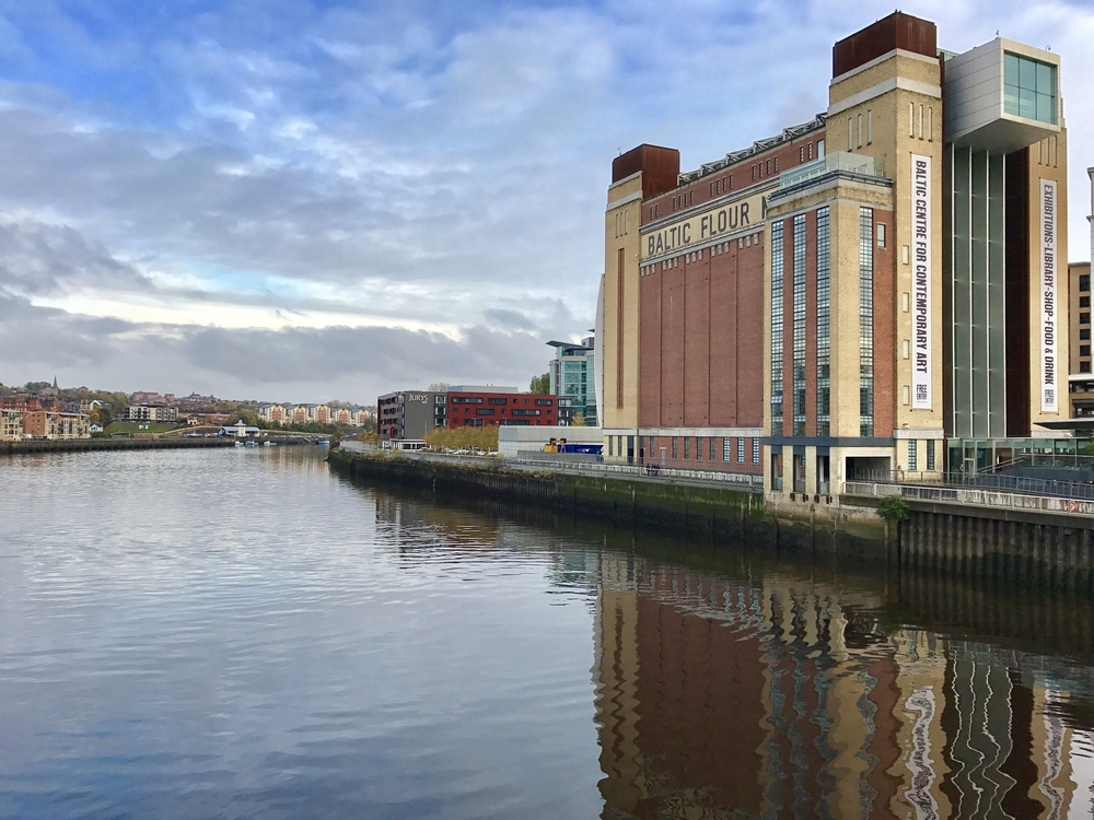 The Baltic Centre for Contemporary Art next to The River Tyne © photocritical / Shutterstock