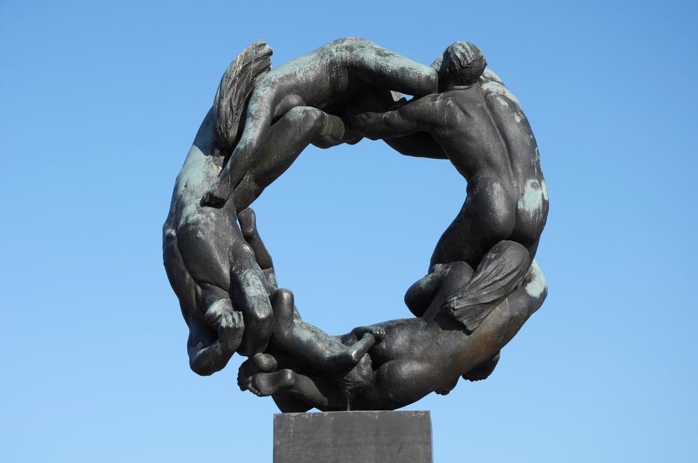 Sculptures at Vigeland park in Oslo. © Marina J / Shutterstock