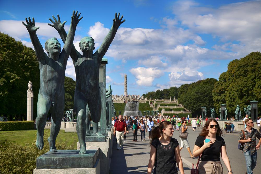 Sculptures Park in the popular Vigeland park © Vladimir Mucibabic / Shutterstock