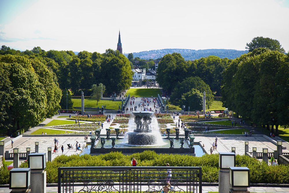 Tourist walk Vigeland Sculptures Park in the popular Vigeland park ©Vladimir Mucibabic / Shutterstock