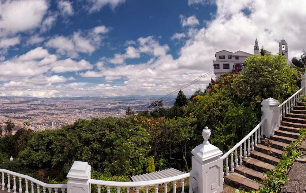 Monserrate – a grandiose mountain donned with a catholic church © Juan Carlos Pachón / Flickr