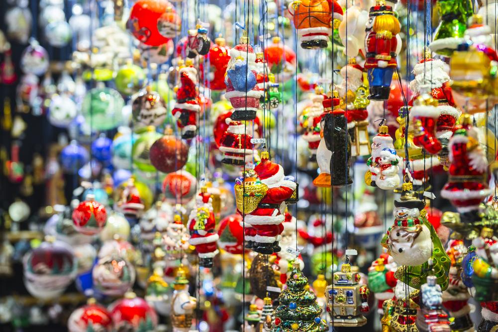 Christmas market | ©Alberto Loyo/Shutterstock