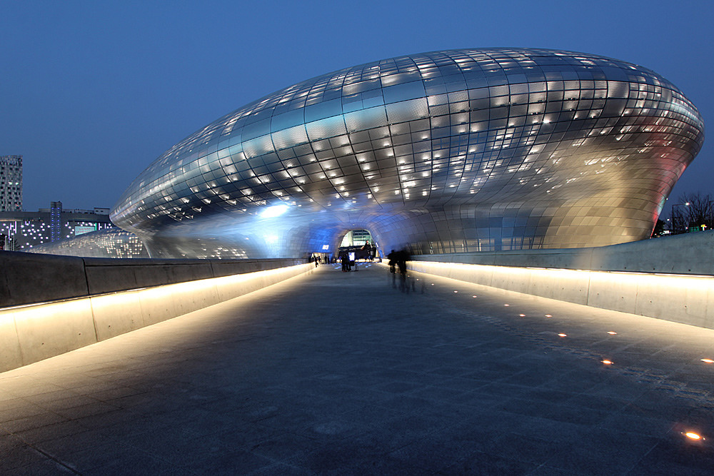 Dongdaemun Design Plaza | Seoul © Nestor Lacle