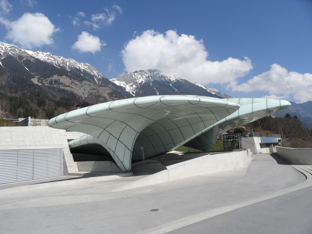 The 10 must see buildings designed by zaha hadid for Interior design innsbruck