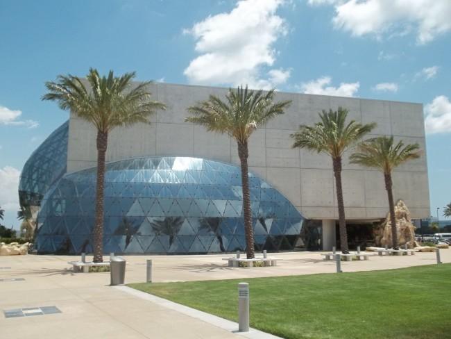 Salvador Dali Museum. Florida   © Ebyabe/WikiCommons