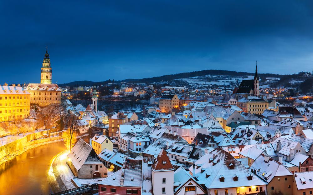 Panoramic view of Cesky Krumlov in winter ©River34 / Shutterstock
