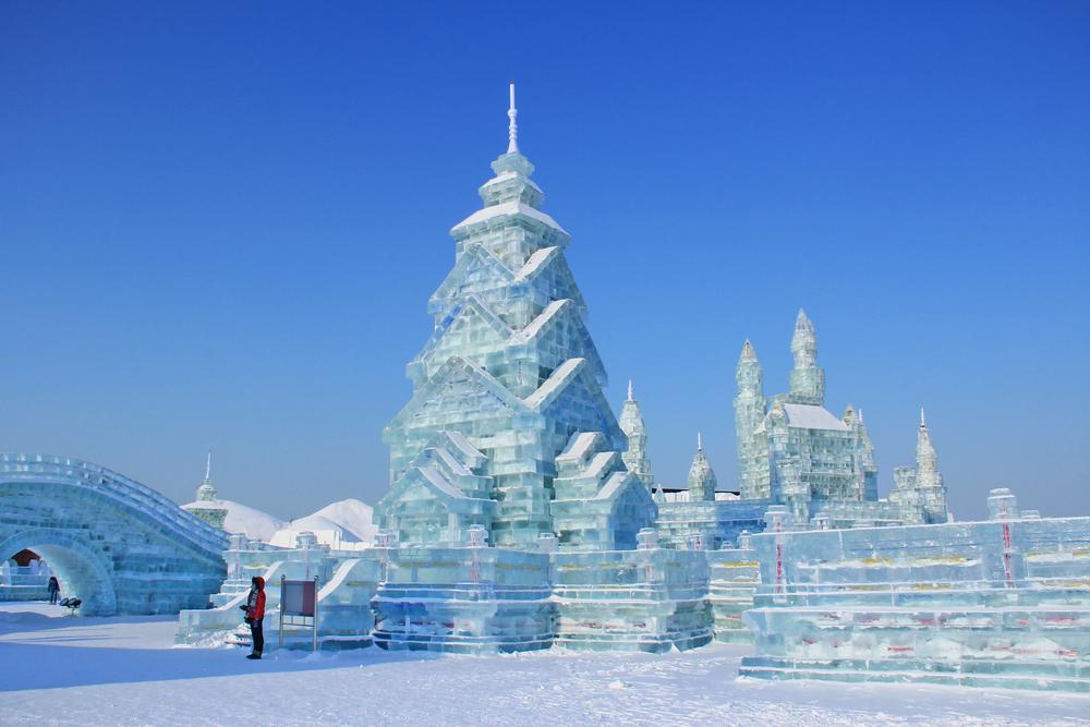 The fairy-tale Ice and Snow World, Harbin, China ©Haobo Wang / Shutterstock