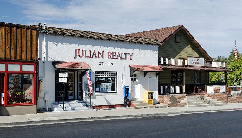 Julian © Tuxyso/Wikicommons
