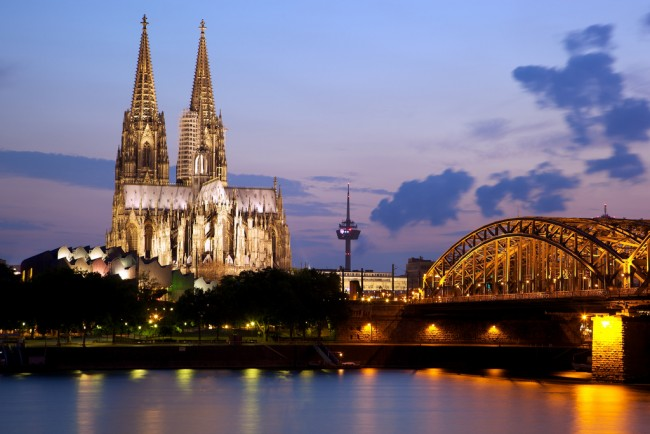 Cologne Cathedral and the Hohenzollern Bridge | © Jiuguang Wang/Flickr