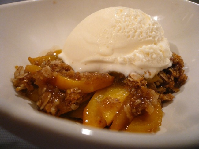 Peach Cobbler| ©Purdman1/Flickr