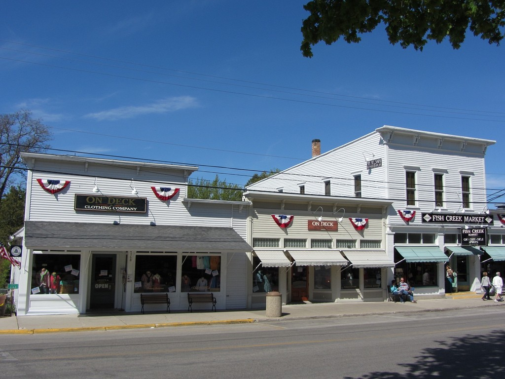 The 10 most beautiful towns in wisconsin for Fish creek wi restaurants