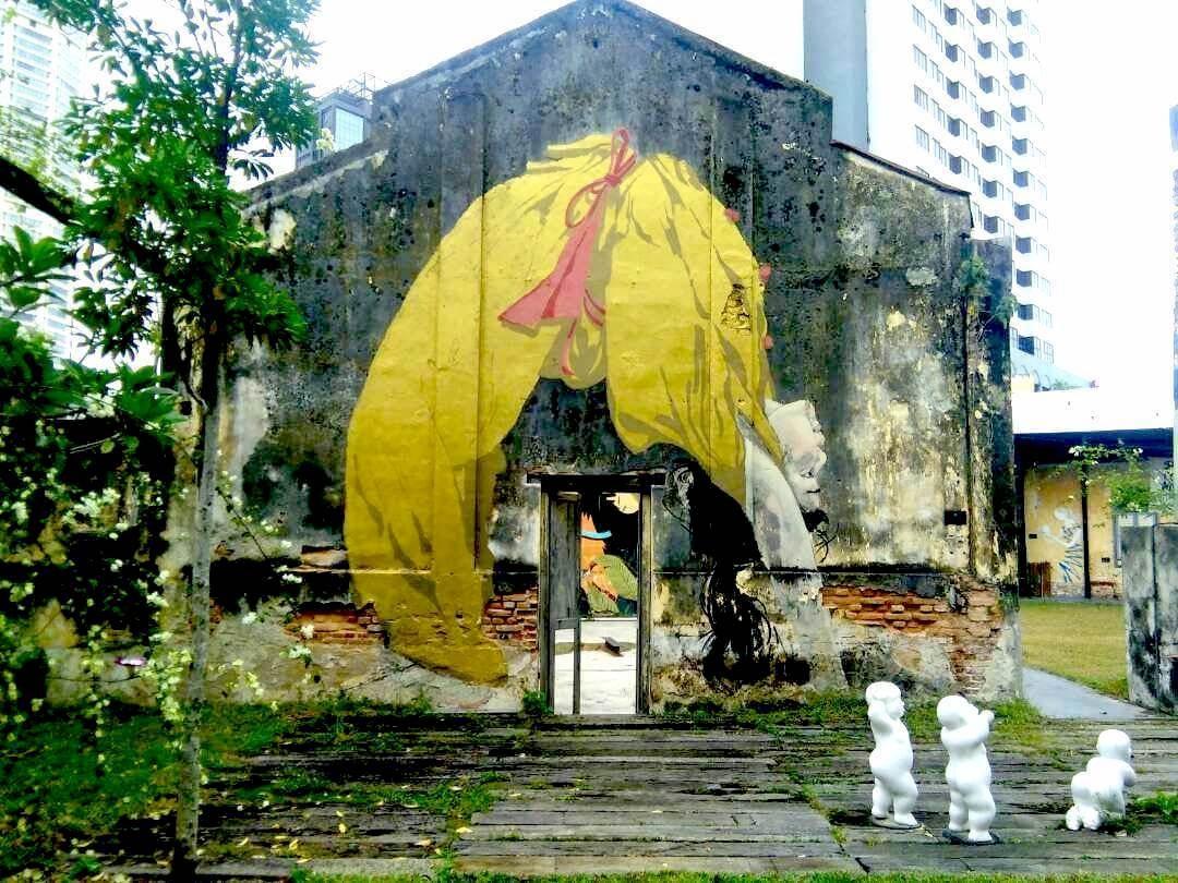 Culture Trip - Penang street art - upside down girl