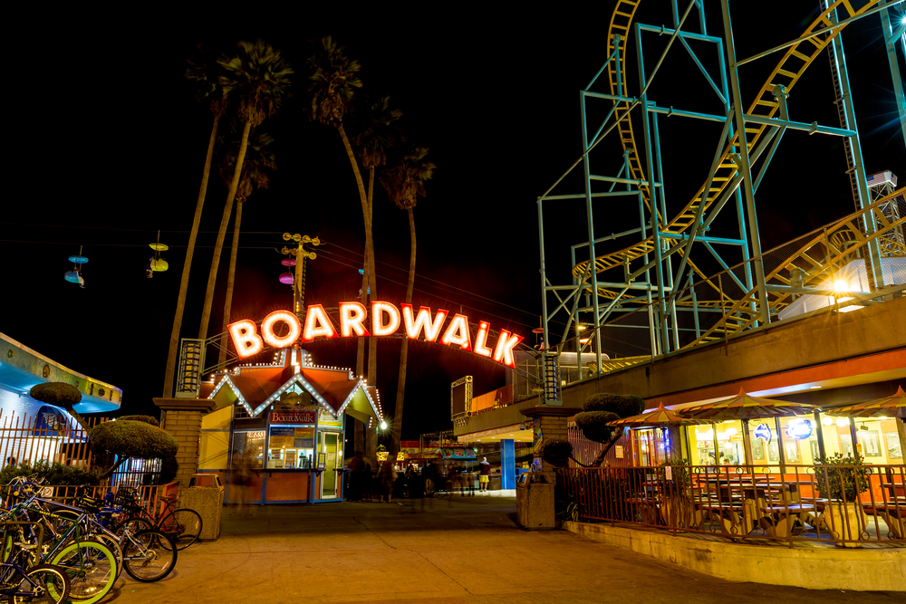 Santa Cruz Beach Boardwalk © cdrin / Shutterstock