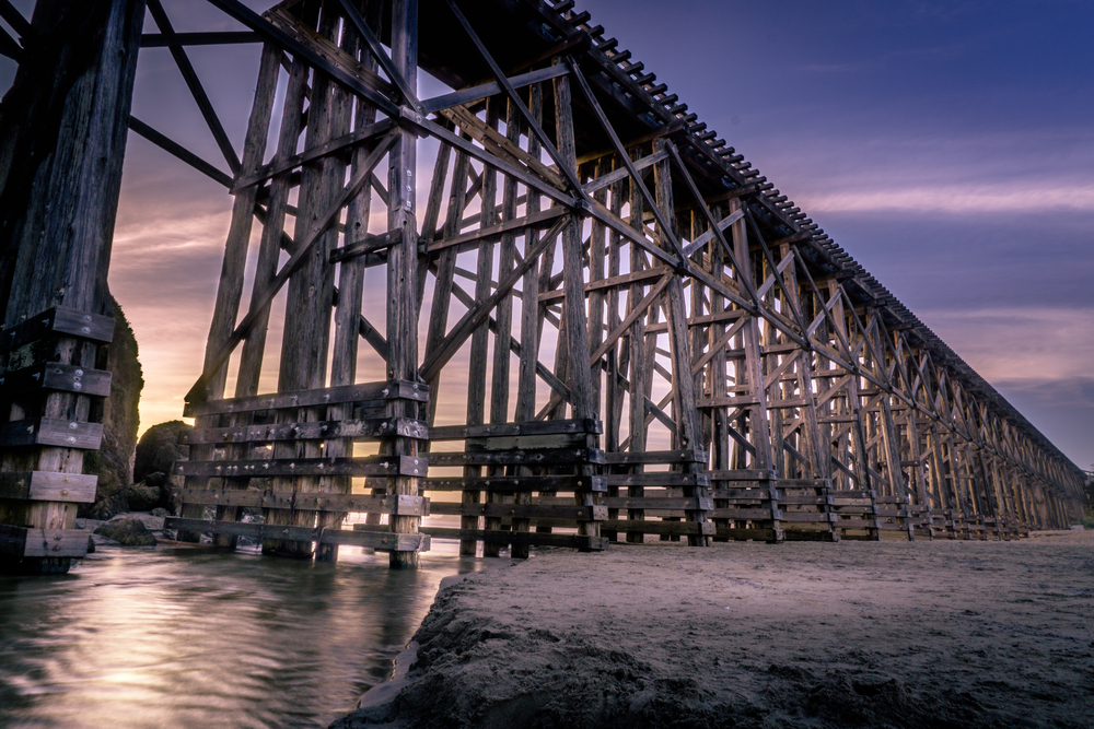 Railway Bridge, Fort Bragg, California © clintharry / Shutterstock