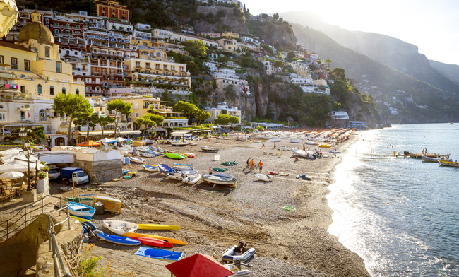 The thriving coastal beach town of Positano | © mikolajin/Shutterstock