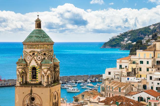 Church tower hovering over the town of Amalfi | © Eguchi Naohiro/Shutterstock