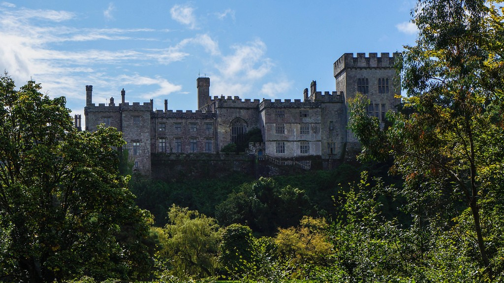 Lismore Castle, Ireland © Christ Brooks/Flickr