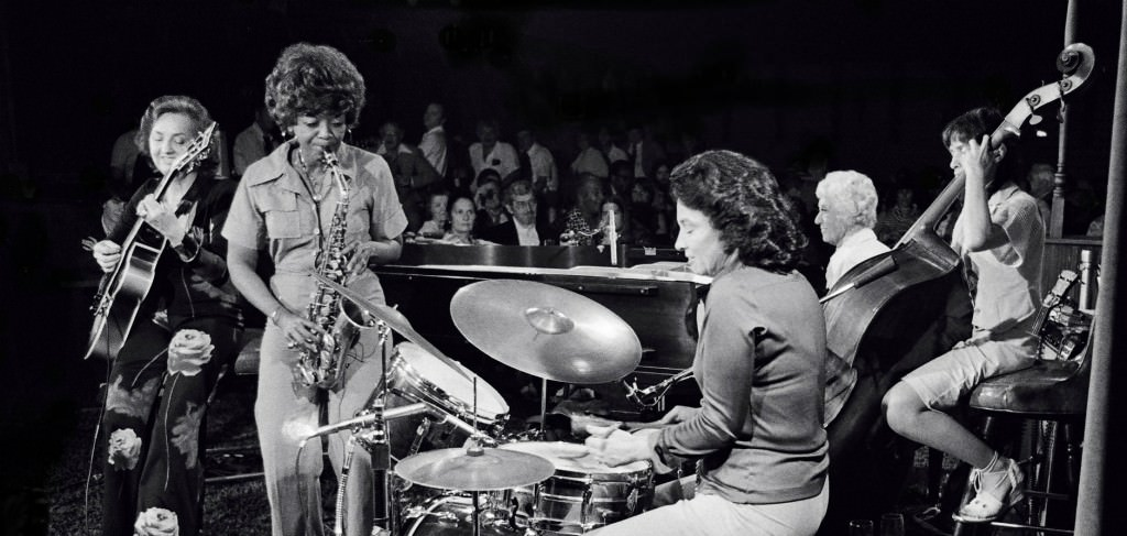 10 Female Jazz Musicians You Need To Know-9399