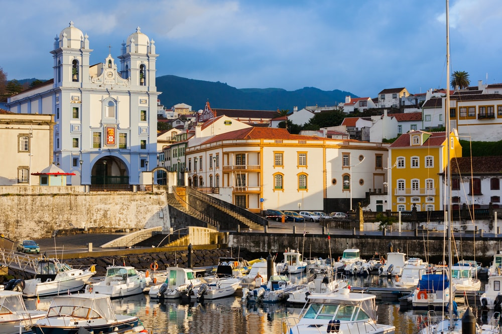 Angra do Heroismo early in the morning | © Roman Sulla / Shutterstock