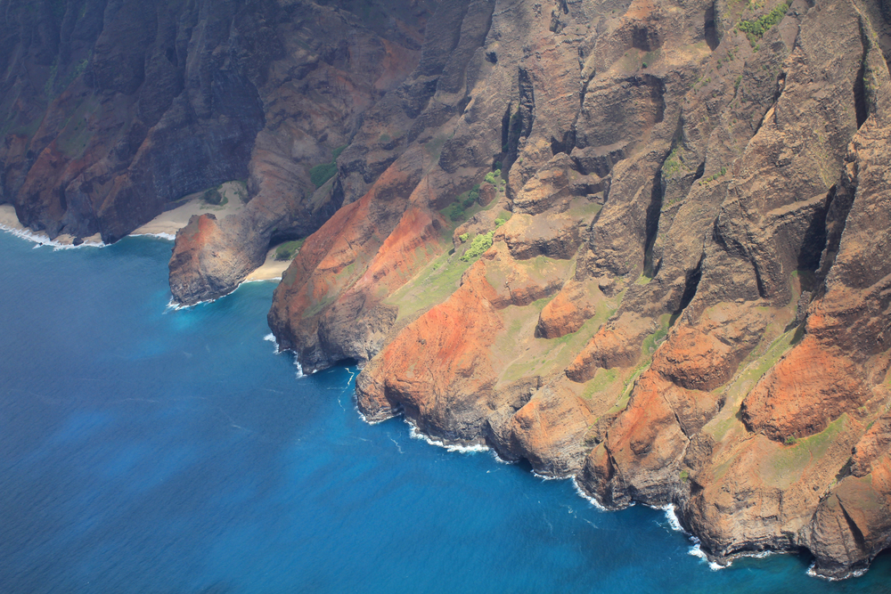 Na Pali coast, Kauai island of Hawaii © Studio Barcelona / Shutterstock