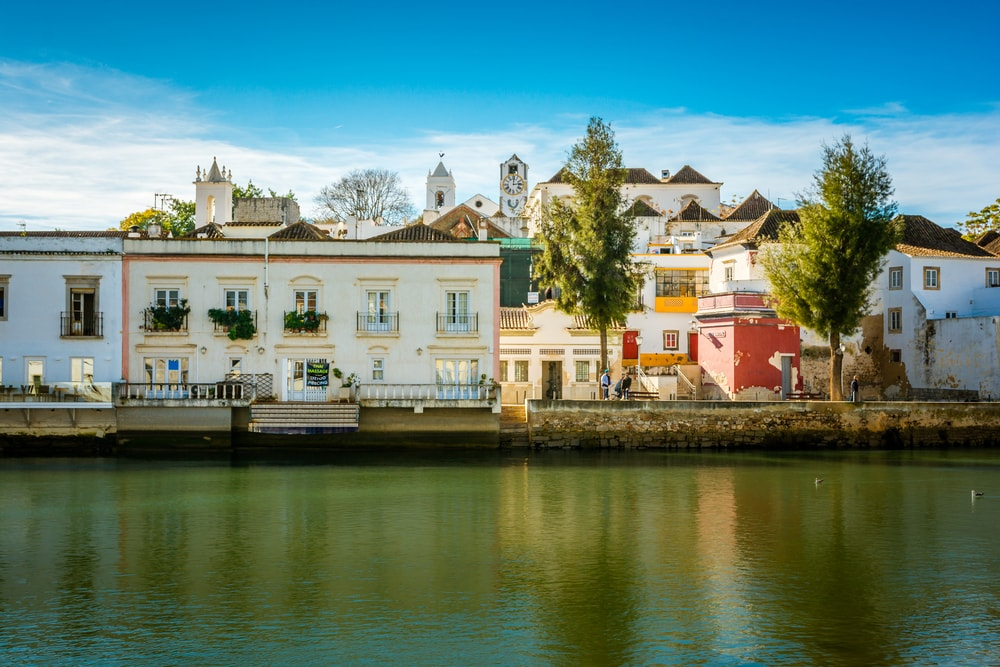 Colorful houses of Tavira in the Algarve | © Evgeni Fabisuk/Shutterstock