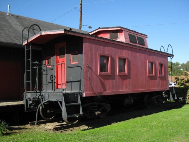 Old rail carriage converted into a heritage museum | © Richie Diesterheft/Flickr