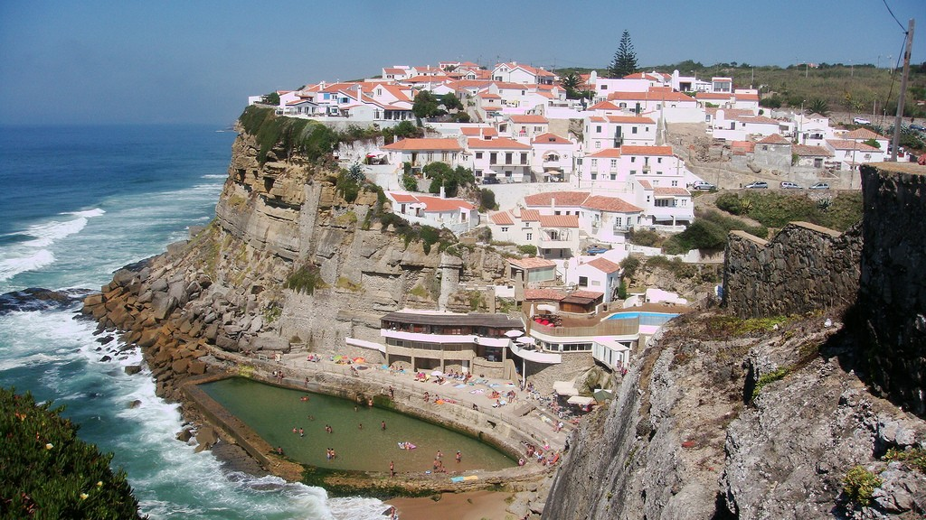 Azenhas do Mar | ©kweez mcG/Flickr