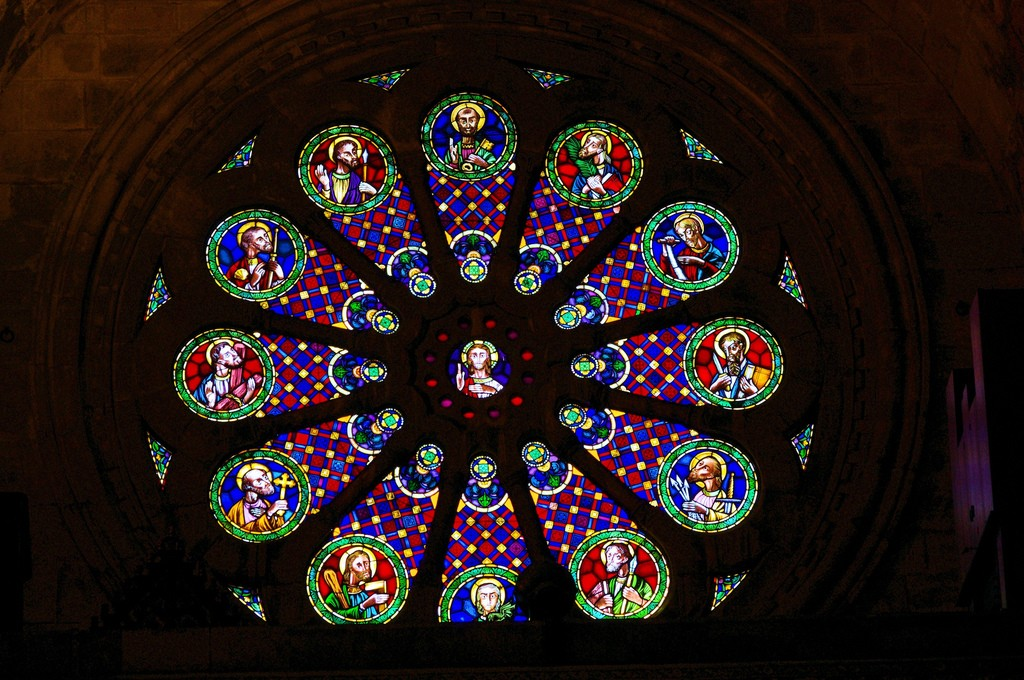 Rose Window Lisbon Cathedral | ©Ken and Nyetta/Flickr