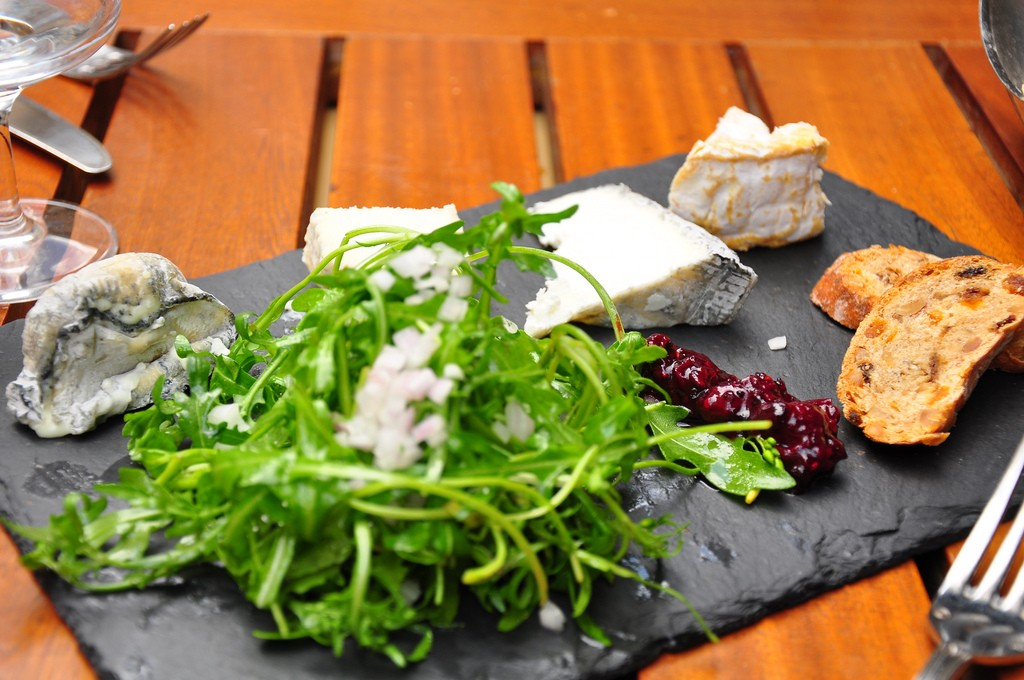 Degustation de fromages at Le Petit Zinc | ©Kimberly Vardeman/Flickr