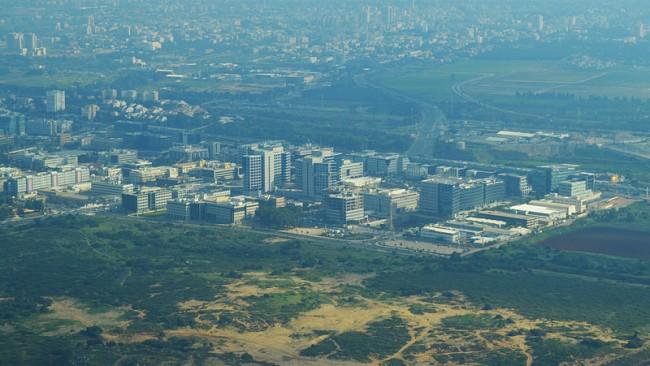 Overhead view of Herzliya Pituah © Wikicommons