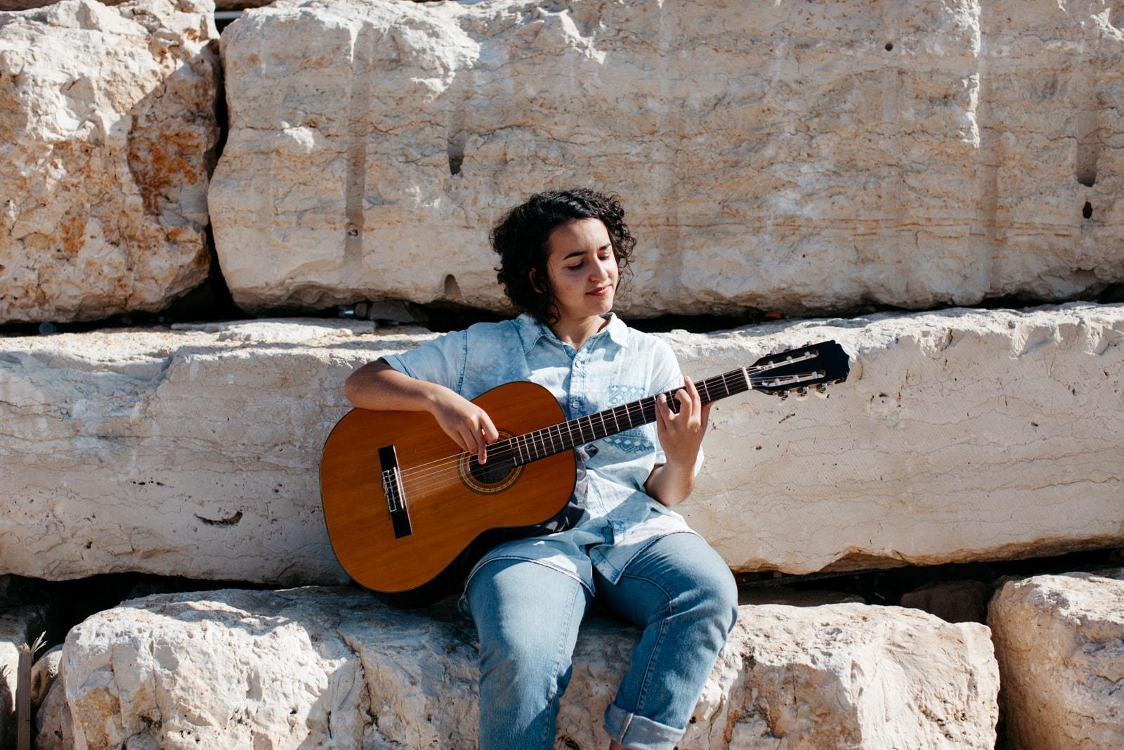 KCTP00019-MUSICIANS-JAFFA BEACH-TEL AVIV-ISRAEL-GRANT