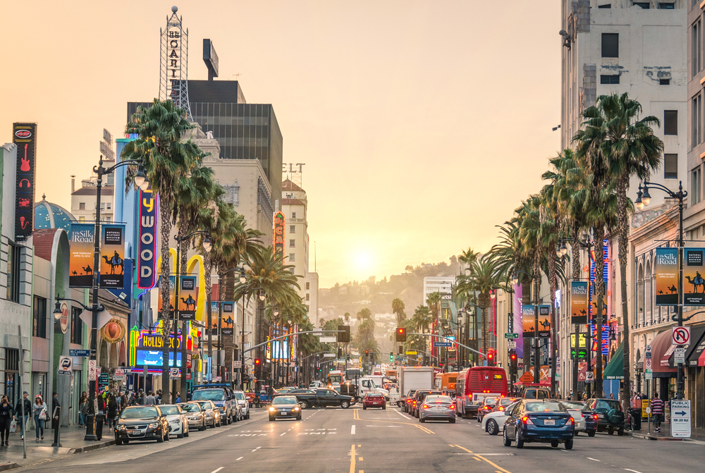 Hollywood Boulevard at sunset © View Apart / Shutterstock