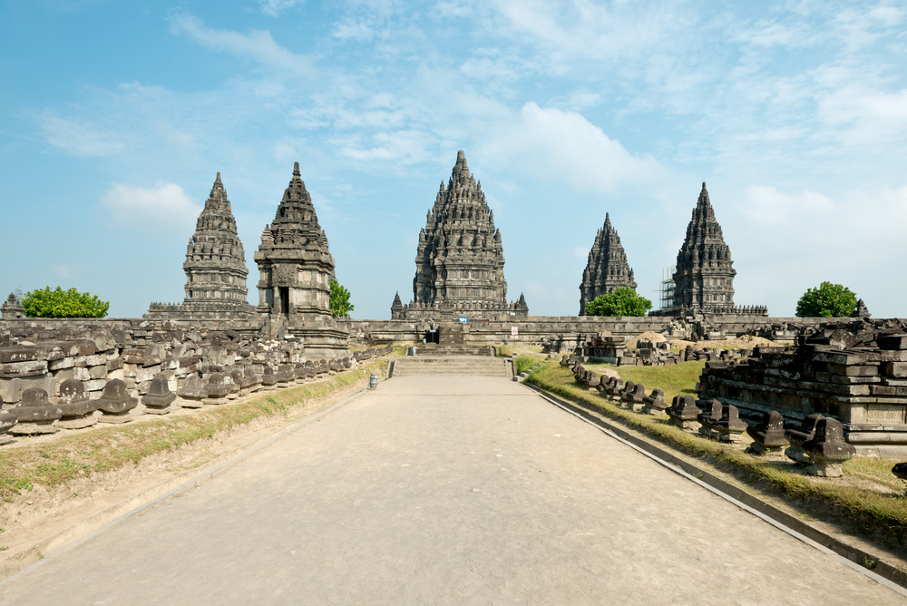 Amazing Asian Cities You Should Visit Before You Die Asia - 12 amazing world heritage sites you have to visit