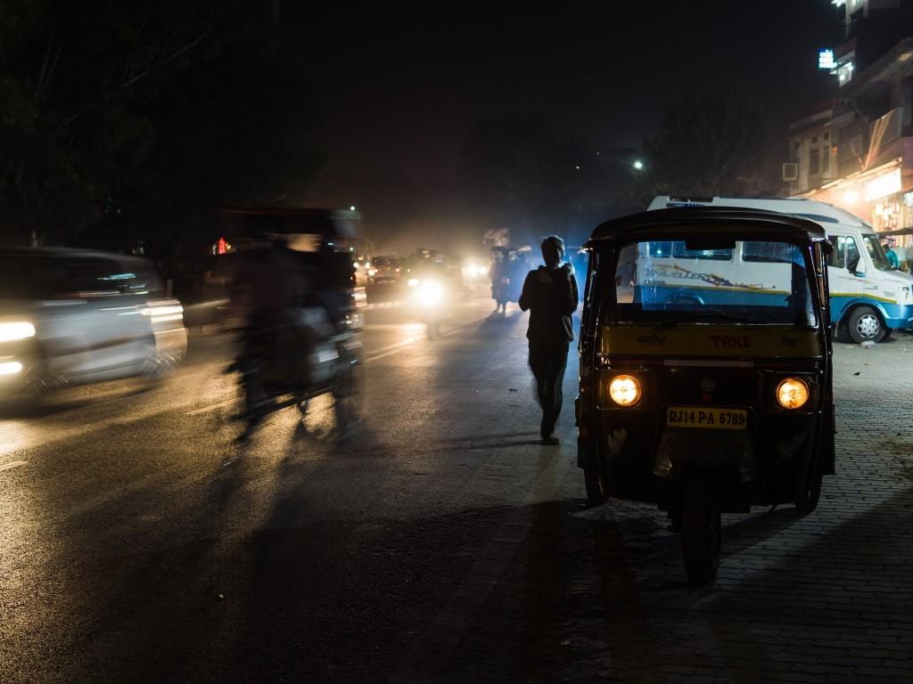 Streets of Delhi at night ©Shanti Hesse / Shutterstock