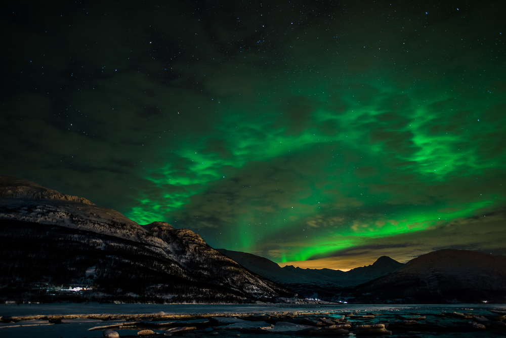 Northern lights in the Troms © Fibru / Shutterstock