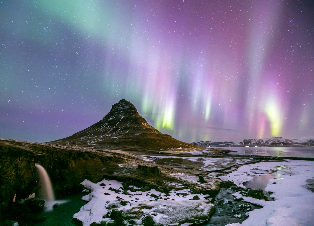 The Northern Light Aurora borealis at Kirkjufell Iceland © Vichie81 / Shutterstock