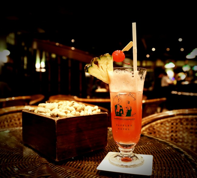 A Signature Cocktail of Raffle's Hotel: The Singapore Sling | ©Byrion Smith / Flickr