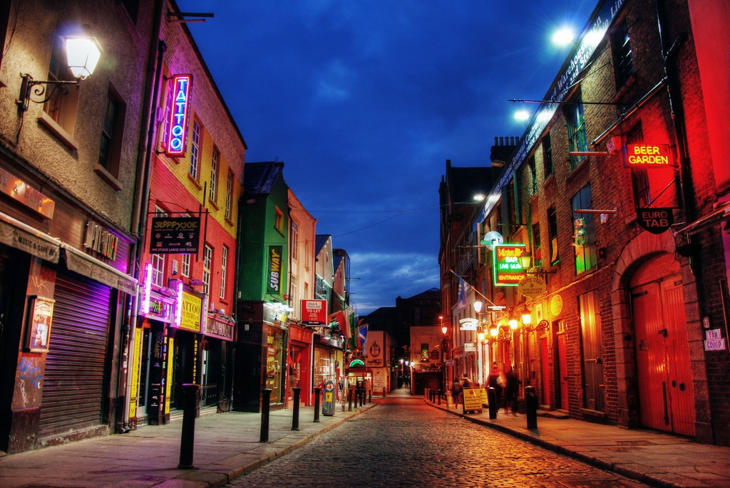 Temple Bar At Night © Barnacles Budget Accommodation/Flickr